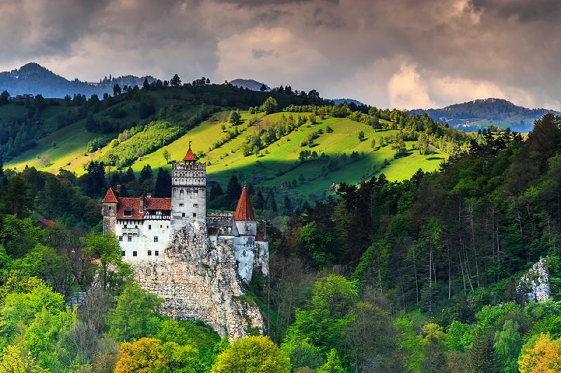 Castelul-Bran-shutterstock-10-800x533